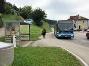 Die Bushaltestellen in Wattwil sollen behindertengerecht ausgestaltet werden. (Bild: Timon Kobelt)