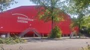 Der Platz vor dem Eiszentrum (Bild: Stefan Dähler, Luzern, 10. Juli 2019)