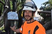 Elias Widmers Unternehmen hat den Auftrag für die Fällung des Mammutbaums erhalten.