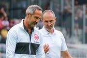 Luzern-Coach Thomas Häberli (rechts) im Gespräch mit Adi Hütter, dem Trainer von Eintracht Frankfurt. (Bild: Martin Meienberger/Freshfocus, Biel, 12. Juli 2019)