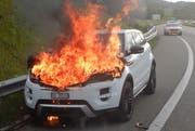 Kurz vor der Ausfahrt Münchwilen kam es am Auto zum Brand. (Bild: Kapo TG)