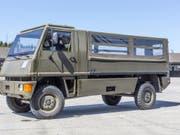 Der Duro-Mannschaftstransporter wird mit einem anderen Motor ausgerüstet. (Bild: Keystone/GAETAN BALLY)