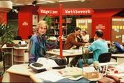 Der Blick zurück: Helen Issler im Studio von «DRS aktuell» ungefähr 1982 (heute «Schweiz aktuell»). (Bild: SF DRS/Marianne Wolleb)