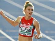 Zweite Medaille für Ajla Del Ponte an der Sommer-Universiade in Neapel: Nach Silber über 100 m gewann die Tessinerin mit der 4x100m-Staffel Gold (Bild: KEYSTONE/WALTER BIERI)