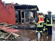 Der Sauna-Club im deutschen Nordrhein-Westfalen brannte vollständig ab. Ein Besucher kam bei dem Feuer ums Leben. (Bild: Keystone/DPA/ROLAND WEIHRAUCH)