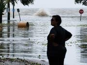 Tropensturm «Barry» traf am Samstag im Süden der USA auf Land. Er brachte grosse Wassermassen mit sich. (Bild: KEYSTONE/EPA/DAN ANDERSON)