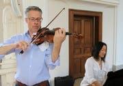 Lorenz Gamma (Violine) und seine Frau Ming Tsu (Flügel) leiten das Borromeo-Musikfestival in Altdorf. (Bild: Markus Zwyssig, Altdorf, 14. Juli 2018)