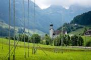 Die Bauvisiere auf der Liegenschaft Rohr am Ortseingang von Schwende stehen seit mehreren Jahren. (Bild: Claudio Weder)