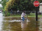 Sturm «Barry» sorgte an der US-Südküste für heftigen Regen, Überschwemmungen und Stromausfälle. (Bild: KEYSTONE/AP The Shreveport Times/HENRIETTA WILDSMITH)