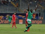 Senegals Cheikhou Kouyate jubelt über den Einzug in den Final des Afrika-Cups (Bild: KEYSTONE/AP/HASSAN AMMAR)