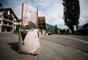 Am Dorfeingang in Walchwil stehen sogennante Big-Bags. (Bild: Stefan Kaiser, Walchwil, 13. Juli 2019)