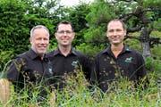 Christian Erni, Rico Semmann und Abi Bartholet führen das Gartenbau-Unternehmen zu dritt. (Bild: PD)