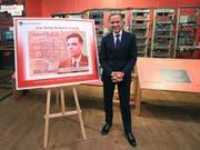 Grossbritannien bekommt neue 50-Pfund-Note - Ehrung für Alan Turing. (BoE-Chef Mark Carney präsentiert neuen Geldschein) (Bild: KEYSTONE/AP PA/PETER BYRNE)