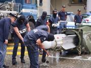 Die italienische Polizei hat bei Durchsuchungen bei Rechtsextremen in mehreren Städten im Norden des Landes unter anderem eine Lenkrakete für den Luftkampf sichergestellt. (Bild: KEYSTONE/EPA ANSA/TINO ROMANO)
