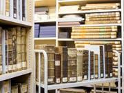 Das Wissen aus vergangenen Jahrhunderten online statt zwischen Buchdeckeln: Zahlreiche Schriften aus dem 18. und 19. Jahrhundert der Zentralbibliothek Zürich werden digitalisiert. (Bild: KEYSTONE/ALEXANDRA WEY)