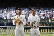 Sieger Novak Djokovic (l.) und Roger Federer. (Bild: Keystone)
