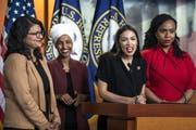 Ziel von Donalds Trumps jüngsten Attacken über Twitter: Die vier demokratischen Abgeordneten Rashida Tlaib, Ilhan Omar, Alexandria Ocasio-Cortez und Ayanna Pressley (von links). (Bild: Jim Lo Scalzo/EPA, Washington, 15. Juli 2019)