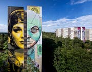 Die rechte Seite dieses Berliner Gebäudes haben die Luzerner Queenkong farblich aufgehübscht. (Bild: Nika Kramer)