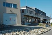 Der Standort der beiden Ambulanzfahrzeuge in Herisau befindet sich im Nebengebäude der Danuser AG an der Sturzeneggstrasse. (Bild: Philipp Wolf)