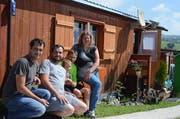 Daniel, Stefan, Michael, Alexander und Bianca Schöckenbacher (von links) freuen sich auf die Sommerferien in Wildhaus.