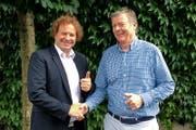 Simon Boss, Gründer, Inhaber und CEO der Boss Info Gruppe (links), und pmc-Informatik-Inhaber Gert Zumkehr. (Bild: PD)