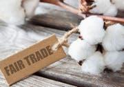 Das Fair-Trade-Label garantiert gute Arbeitsbedingungen in den Produktionsbetrieben in Entwicklungs- und Schwellenländern. Bild: Fotolia