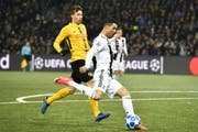 Gegen die Grossen haben die Schweizer Vereine keine Chance, auch wenn YB (Sandro Lauper, links) gegen Juventus Turin (Christian Ronaldo) mit einem 2:1-Sieg am 13. Dezember 2018 für ein Schweizer Highlight sorgte. (Bild: Keystone)