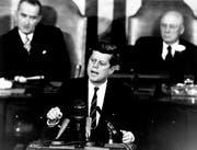 US-Präsident John F. Kennedy spricht am 25. Mai 1961 vor dem US-Kongress und sagt, die USA müssten das Ziel verfolgen, den ersten Menschen auf den Mond zu schicken. (Bild: Nasa)