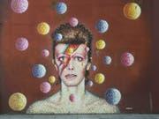Ein Wandbild von David Bowie in Süd-London. (Bild: Keystone)