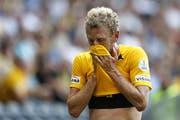 Der neue Captain musste im ersten Spiel schon verletzt raus: Fabian Lustenberger. (Bild: Keystone)