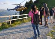 Gäste warten auf dem Stanserhorn auf ihre Evakuation. (Bild: PD, 19. Juli 2019)