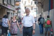 Pfarrer Markus Sahli in der Hertensteinstrasse. (Bild: Pius Amrein, Luzern, 24.Juli 2019)