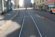 The cyclist crashed because the Velopnoe fell in the track. (Photo: Stadtpolizei St.Gallen)
