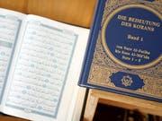 Der Islam bewegt die Schweizer Parteien offenbar mehr als das Christentum. Zumindest zeigt das eine neue Analyse von Dutzenden Vorstössen in Schweizer Parlamenten. (Bild: KEYSTONE/ALESSANDRO DELLA BELLA)