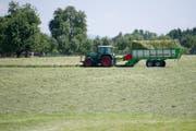 Bisher zeigen sich die Landwirte zufrieden mit der Heusaison. (Bild: Urs Jaudas)