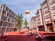 Belebt am Freitagnachmittag: der Rote Platz. (Bild: Hanspeter Schiess)