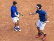 Jakub Paul (links) und Marc-Andrea Hüsler scheiterten im Doppel in den Halbfinals mit 4:6, 4:6 (Bild: KEYSTONE/PETER SCHNEIDER)