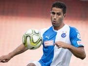 Nassim Ben Khalifa kontrolliert den Ball. (Bild: KEYSTONE/ENNIO LEANZA)