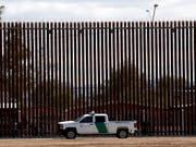 Das Oberste Gericht der USA hat am Freitagabend den Weg für die Verwendung von Geldern aus dem Verteidigungshaushalt zum Bau einer Mauer an der Grenze zu Mexiko freigemacht. (Bild: KEYSTONE/AP/JACQUELYN MARTIN)