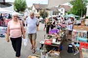 Kaufen, Verkaufen, Feilschen; und dazwischen auch mal die Stimmung geniessen. (Bild: Werner Lenzin)