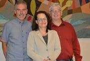 Sind nach der langen Versammlung erleichtert: Präsident Thomas Leuch, Vizepräsidentin Pascale Wallroth und Vorsteherschaftsmitglied Heinz Lanz. (Bild: Judith Schuck)