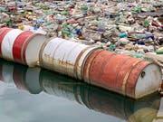Wälder abgeholzt, Flüsse verunreinigt, Arten dezimiert: Ab Montag sind die nachhaltig produzierten Ressourcen der Erde für dieses Jahr aufgebraucht, und die Menschheit lebt auf Pump. (Bild: KEYSTONE/AP/ELDAR EMRIC)