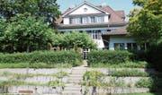 Der Kräutergarten etwas verwildert, die Räume leer geräumt. Die Zukunft des Restaurants Paul's bleibt ungewiss. (Bild: Susi Miara)