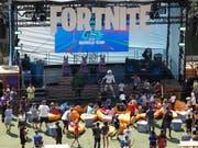 Moderne Welt: In New York hat eine Weltmeisterschaft für das Spielen eines Videospiels stattgefunden. (Bild: KEYSTONE/EPA/JASON SZENES)