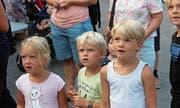 «Wow!» Wie andere Kinder vom «Wirbelsturm» weit nach oben getragen werden, fasziniert. (Bilder: gb)