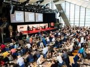 Reges Treiben am Bieler Schachfestival. (Archivaufnahme) (Bild: KEYSTONE/PATRICK HUERLIMANN)