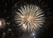 Auch dieses Jahr feiert Lungern den Nationalfeiertag am Vorabend mit einem Feuerwerk. Bild: Robert Hess (31. Juli 2013)