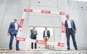 Die Rahmenbedingungen für Neuansiedlungen am Standort Thurgau sind attraktiv, finden zumindest: (v.l.) Wirtschaftsförderer Marcel Räpple, Willy Zwahlen (CEO SIS Medical), Beat Weiss (Geschäftsführer V-Zug Immobilien) und AWA-Chef Daniel Wessner. (Bild: Andrea Stalder)