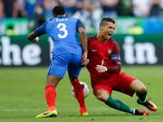 Patrice Evra gewann mit Cristiano Ronaldo 2008 mit Manchester United die Champions League, verlor gegen seinen früheren Teamkollegen aber 2016 den EM-Final (Bild: KEYSTONE/AP/FRANK AUGSTEIN)