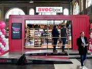 Valora will keine Franchisenehmer von Avec-Filialen mehr. Hier ein provisorischer Laden von «avec box». (Bild: KEYSTONE/WALTER BIERI)